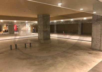 梅田の中心地!商店街に面した新築商業ビルの地下1階☆賃料値下げしました!